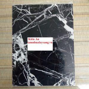 Tấm nhựa pvc vân đá đen sợi trắng